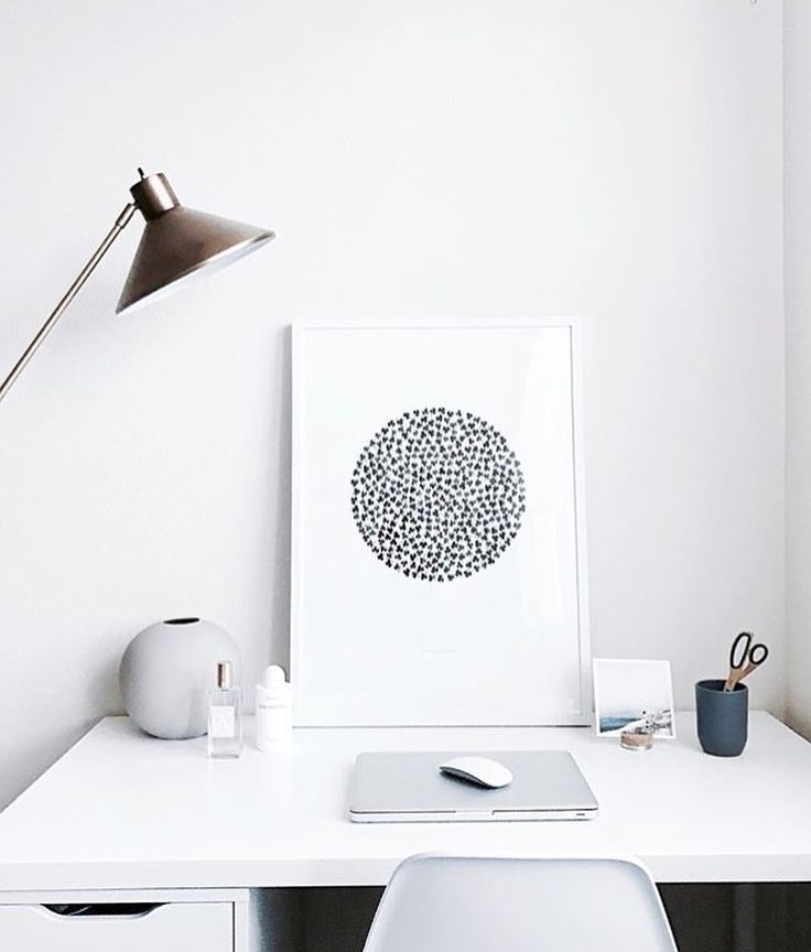 The 'Find your luck' print in a beautiful office styling by @ea_wang #cocolapine