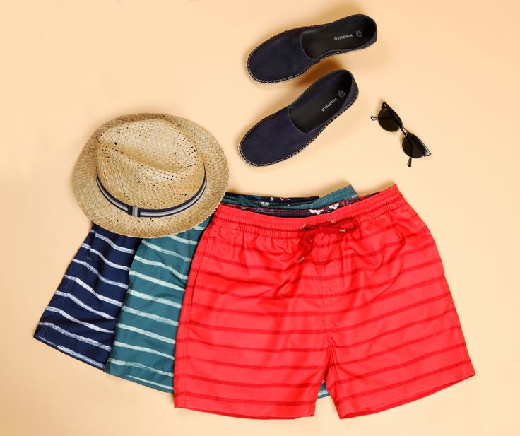 WEEKEND MOOD IS LOADING: To σ/κ είναι πολύ κοντά και προβλέπεται να είναι αρκετά ζεστό! Αγόρασε τώρα τα πιο in fashion sophisticated beachwears έως -30% και ετοιμάσου για πολλές βουτιές!  Δες μαγιό → http://bit.ly/basefield_striped_beachwear  Δες εσπαντρίγιες → http://bit.ly/suede_espadrilles  Δες καπέλο → http://bit.ly/commander_hat