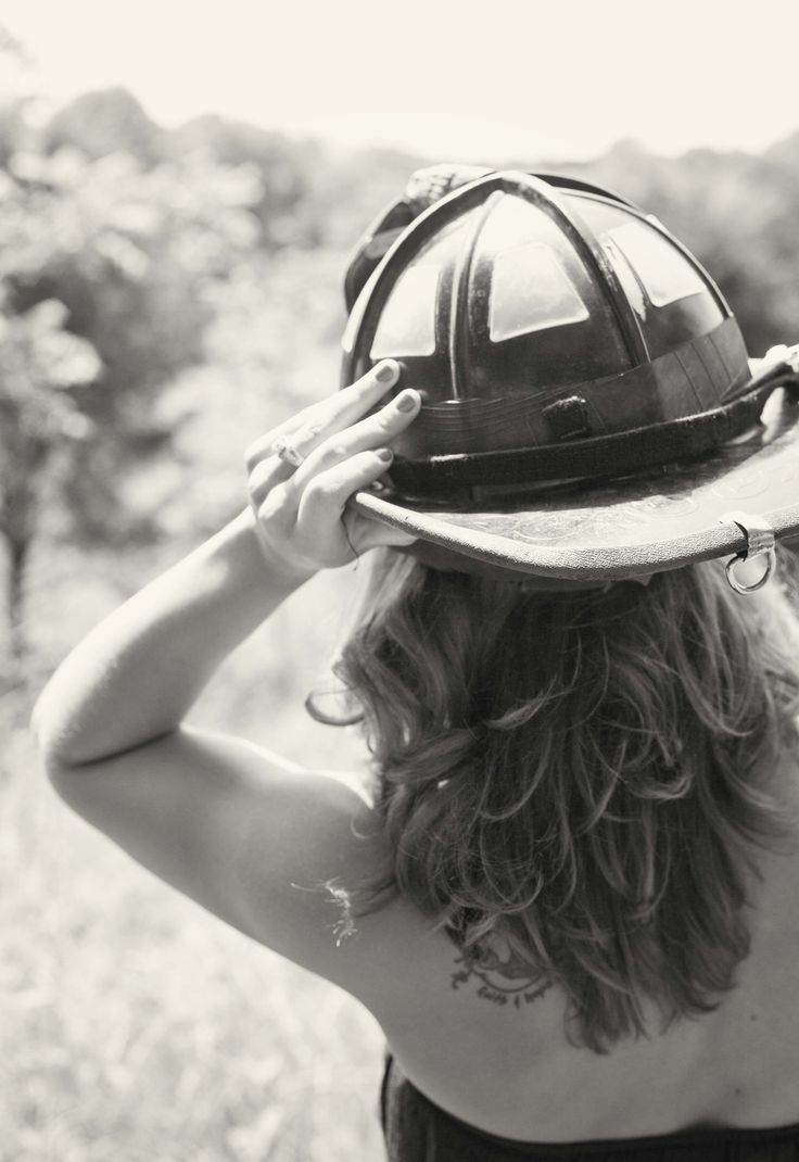 firefighter engagement pictures, summer engagement session