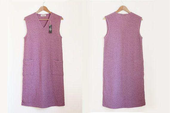 """Adorabile abito smanicato lilla anni 90 con scollo a V, due tasche e cintino in vita""""Tomomi"""" nuovo con etichetta"""