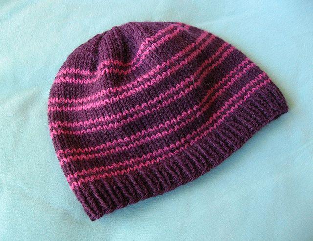 basic knit hat (free ravelry pattern) Yarny things Pinterest Knit hats,...