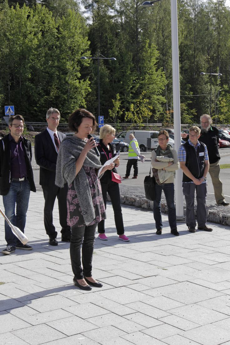 The First Lady of Finland Jenni Haukio reads her poem written in honor of the Finnish Nature. The Day of Finnish Nature August 2014. Photo: Metsähallitus / Anna Haukka