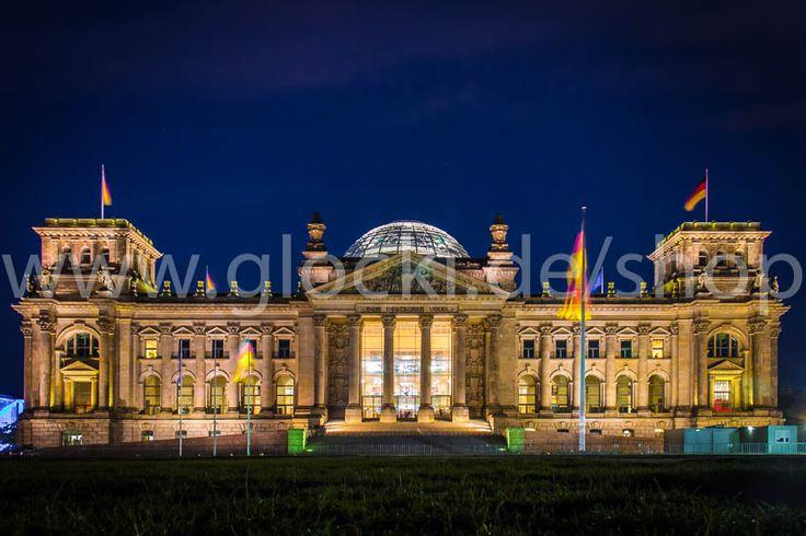 Reichstag Berlin bei Nacht - meinLieblingsbild.com