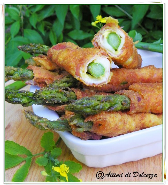 Involtini fritti di asparagi e prosciutto