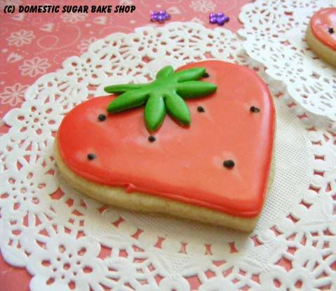 Valentine Strawberry Cookie. This would be good for your Strawberry theme @Mandy Sadlon