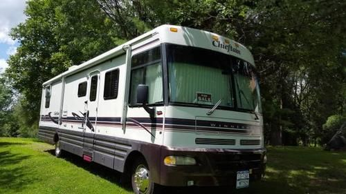 1999 Winnebago Chieftain for sale by owner on RV Registry http://www.rvregistry.com/used-rv/1010651.htm