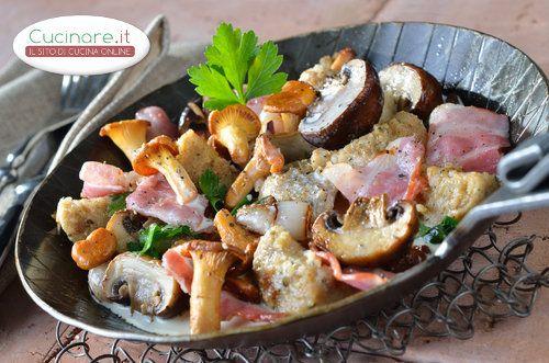I Funghi in padella con Pancetta sono un contorno molto sfizioso ideale per accompagnare sia piatti importanti di carni sia rosse o bianche come arrosti, spezzatini, brasati etc. e sia da abbinare a una semplice bistecca o a un petto di pollo cotti alla griglia.