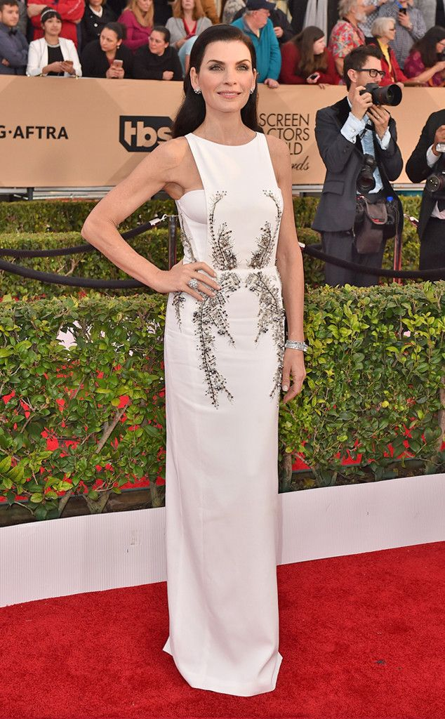 Julianna Margulies from SAG Awards 2016: Red Carpet Arrivals  In Berardi