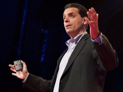 """A motivation expert explains why businesses go about motivating people all wrong — and how to do it better  Everyone likes getting a little extra cash, but we shouldn't think it makes us work any harder.   Author and motivation expert Dan Pink knows this better than anybody. In his 2009 TED talk  """"The puzzle of motivation,""""  which was based on his hit book  """"Drive,""""  Pink explains the """"fundamental mismatch"""" that exists between science and business.   Science, Pink says, knows that .."""