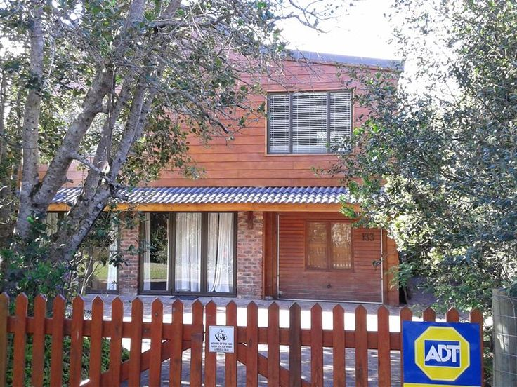 Kamma-Otter II - Kamma-Otter II is situated in the charming seaside village of Natures Valley.Brand new luxurious self-catering flat to let. Two bedrooms, two bathrooms, lounge, kitchen and veranda. We are very well situated; ... #weekendgetaways #naturesvalley #southafrica