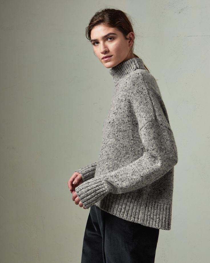 CASHMERE ROLL NECK SWEATER | Soft, warm and cossetting cashmere. Slouchy cut. Ribbed roll neck. Dropped shoulders. Long sleeves with ribbed cuffs. Ribbed hem.