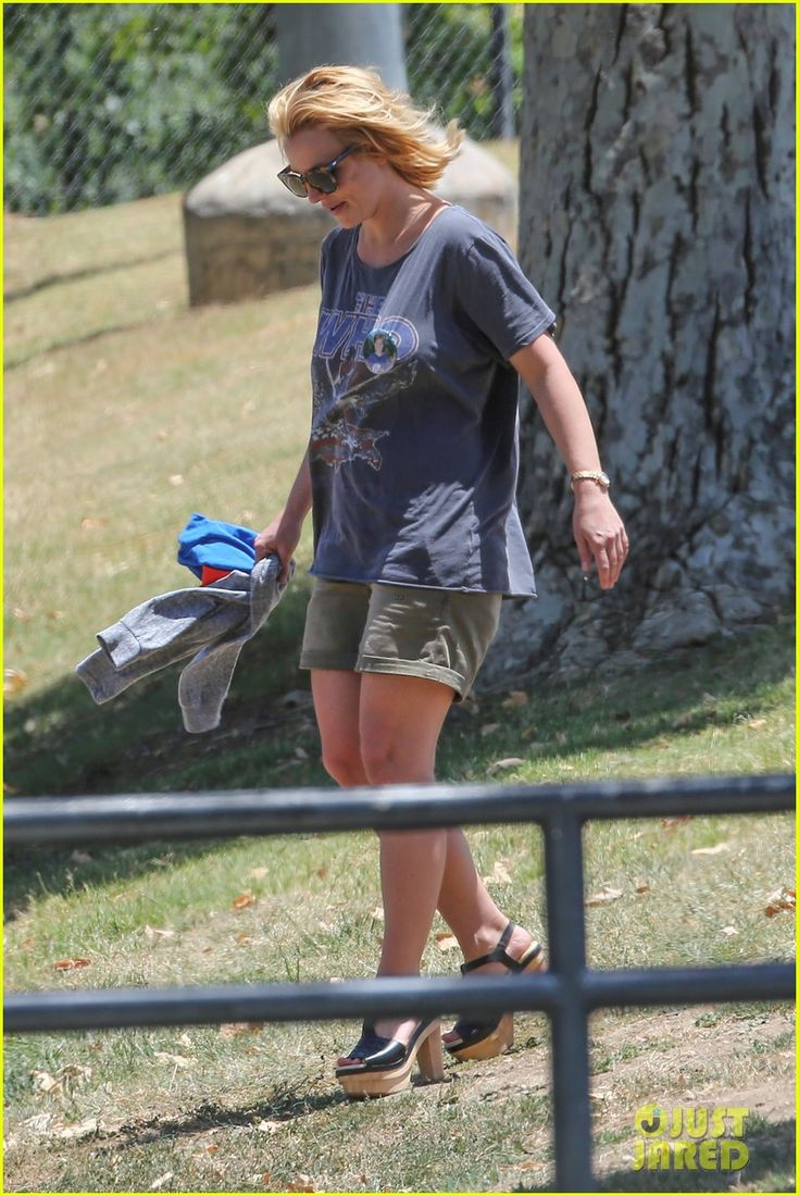 britney spears proud skate mom to jayden james sean preston 13 Britney Spears goes barefoot while while arriving for her sons Jayden James and Sean Preston's soccer game on Saturday (May 30) in Malibu, Calif.    The day before,…