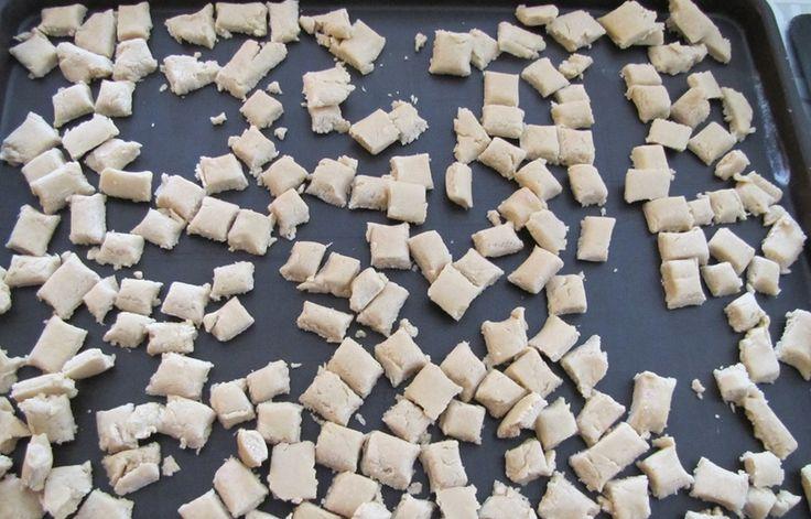 Petits biscuits pour chien au thon