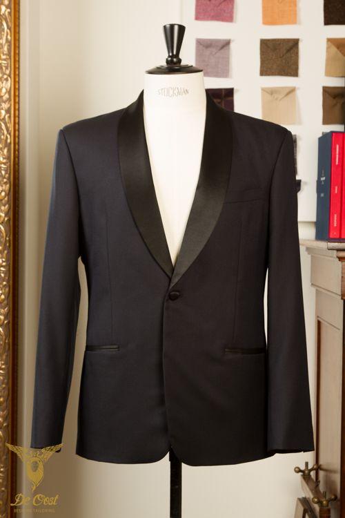 Smoking jasje shawl kraag handgemaakt bespoke opmaat midnight blue met zwarte satijn accenten Tuxedo shawl collar jacket midnight blue formal bespoke tailored black trimming accents buttons