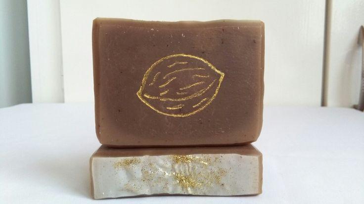 Golden Walnut soap by Eszti Szappanszertár