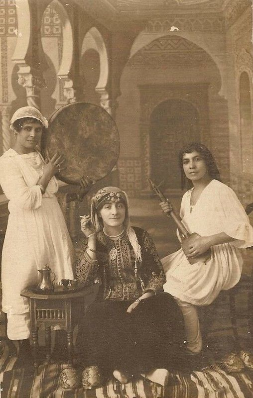 Trois jeunes femmes d'Algérie Alger, fin du 19ème siècle