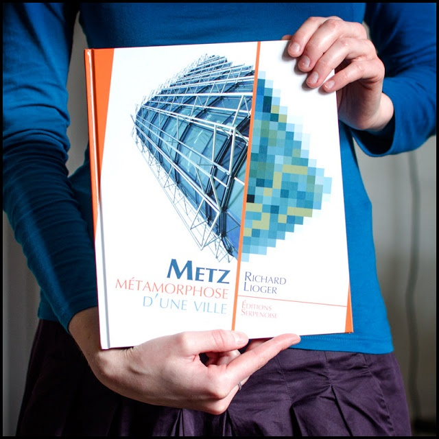 A book speaking of the french town of Metz.