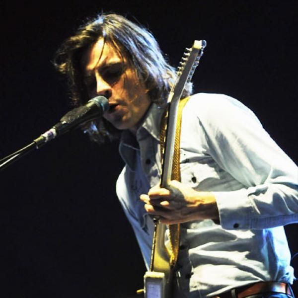 Guitarist and backing vocalist for Weezer Brian Bell made PETA's list of sexiest vegetarians last year, and I couldn't agree more!