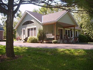 2 Bedroom Open Concept Pine Grove Cottage - Nightly Rentals - Open Year-roundVacation Rental in Goderich from @HomeAway! #vacation #rental #travel #homeaway