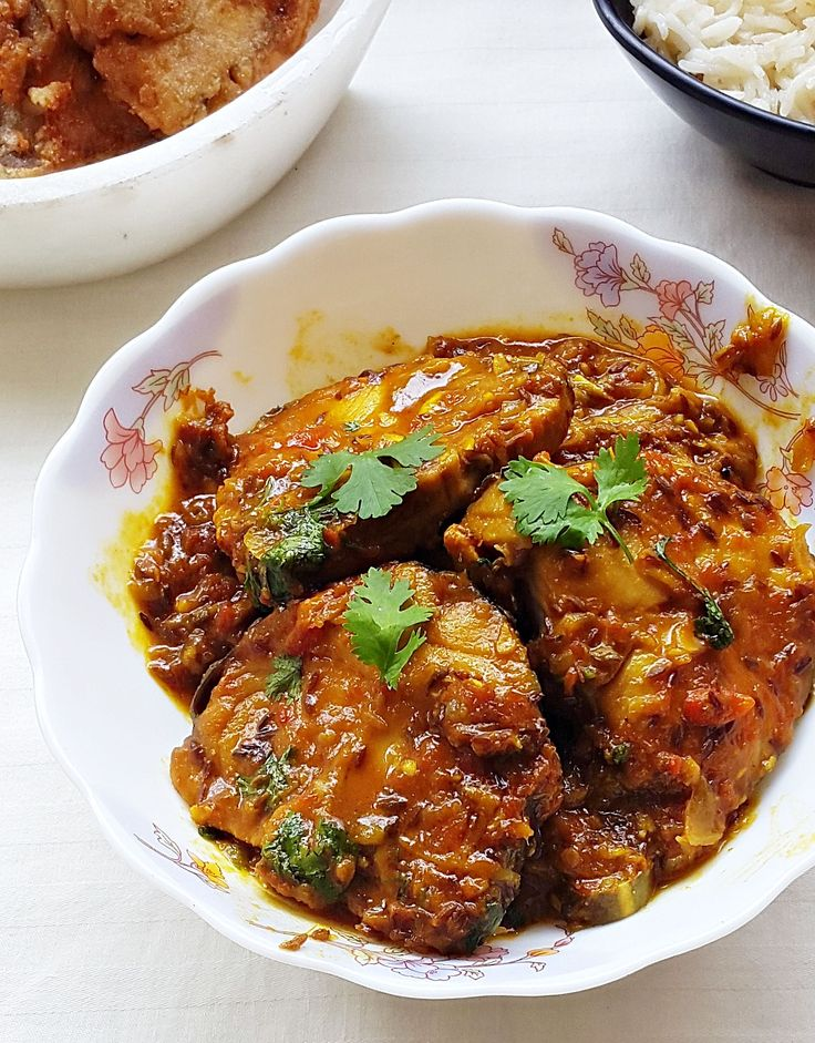 King fish curry - king fish (surmai) in tamarind sauce . Step by step with pictures how to make Tamarind king fish currry.