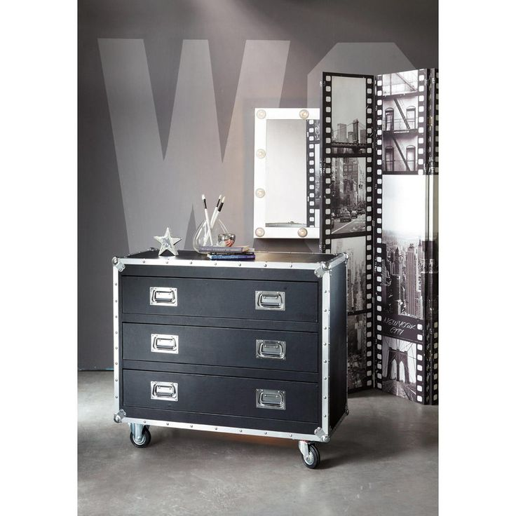 maison du monde range cd glass pendant hansen maisons du. Black Bedroom Furniture Sets. Home Design Ideas