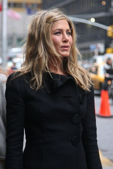 jennifer-aniston-wavy