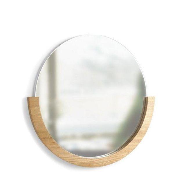Miroir déco rond bois de frêne umbra mira  Cadre en bois de frêne  54.6 x 52.8 x 3.8 cm  Design Laura Reed
