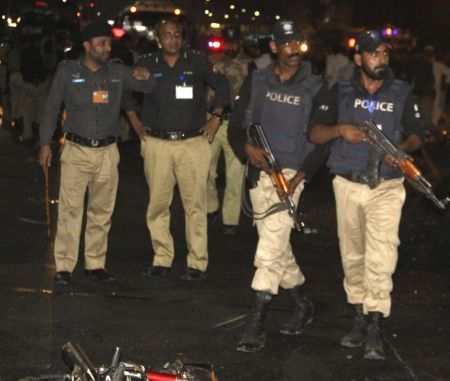 24 killed, 100 hurt in Taliban bombing in Pakistan  http://www.bicplanet.com/world-news/24-killed-100-hurt-in-taliban-bombing-in-pakistan/  #World