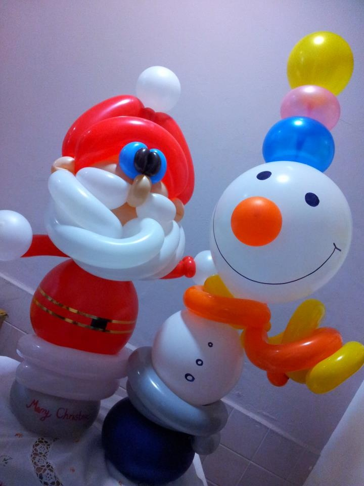 Balloon Santa Claus and Snowman made by Balloontwistee