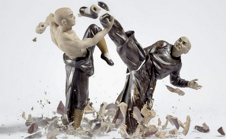 Photographer Martin Klimas's recent photography series captures the moments of porcelain figures breaking. The photographer drops beautiful ...