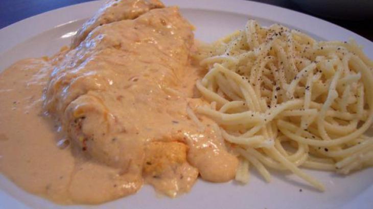 Leighdear's Buffalo Chicken Dip Goes Main Course