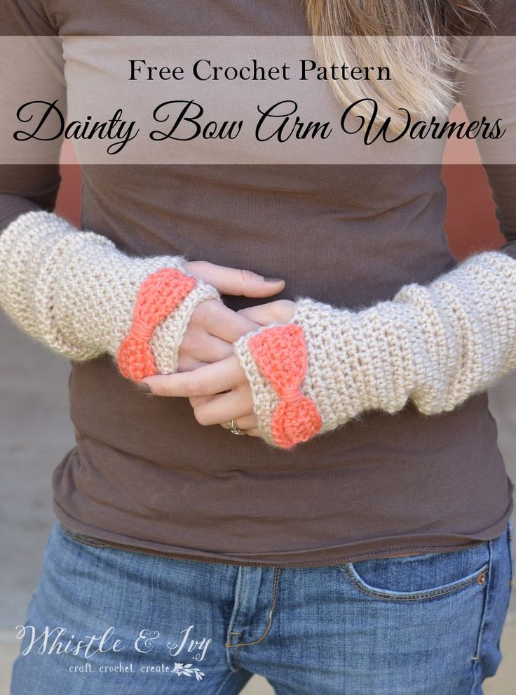 Free Crochet Pattern - Dainty Bow Crochet Arm Warmers   Make these pretty arm warmers and stay cozy this winter. Pattern by Whistle and Ivy