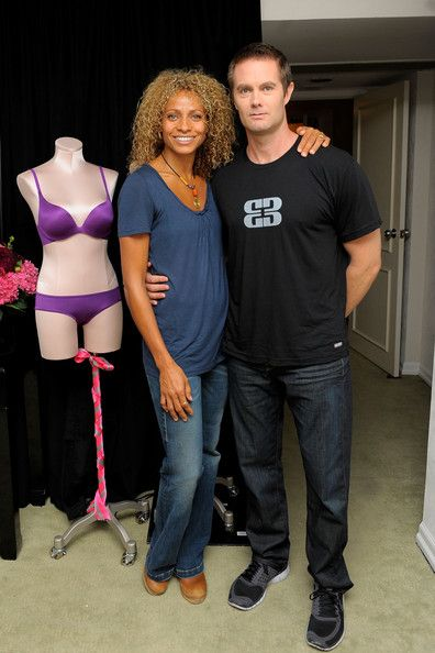Michelle Hurd and Garret Dillahunt are married and make a beautiful couple.