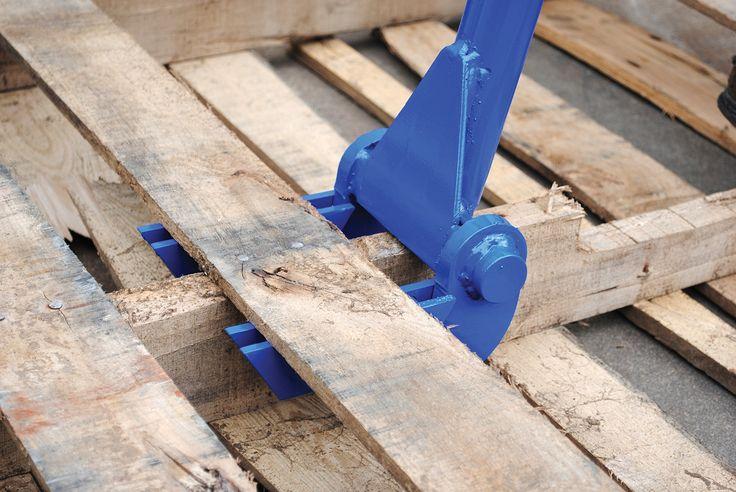 """Vestil SKB-DLX Deluxe Steel Pallet Buster with Handle, 41"""":Amazon:Industrial & Scientific"""