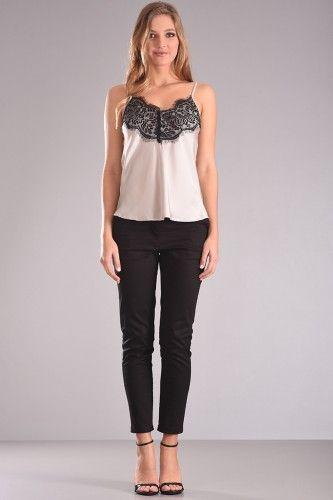Μπλούζα τοπ lingerie με διακοσμητική δαντέλα μπροστά σε γκρί ανοιχτό χρώμα. 29,90€    Μεγέθη : Small / Medium / Large  Χρώμα : Γκρι  Σύνθεση : 100%PES