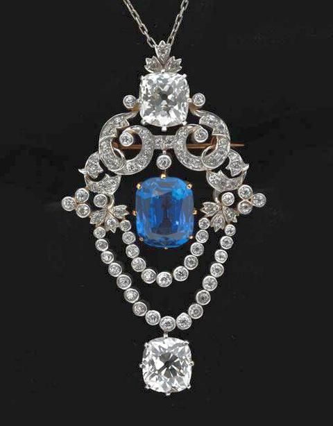 Pendant brooch, ca. 1900, Platinum, diamond, sapphire Tiffany & Co., Museum of the City of New York, Bequest of Mrs. V. S. Young