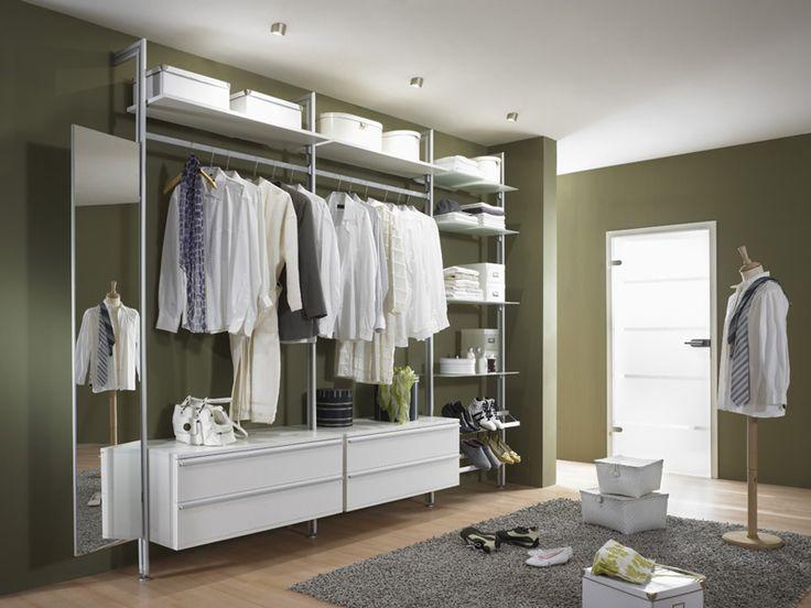 Begehbarer kleiderschrank ikea planen  Eins für alles: Begehbarer Kleiderschrank, Garderobe, Wandregal ...