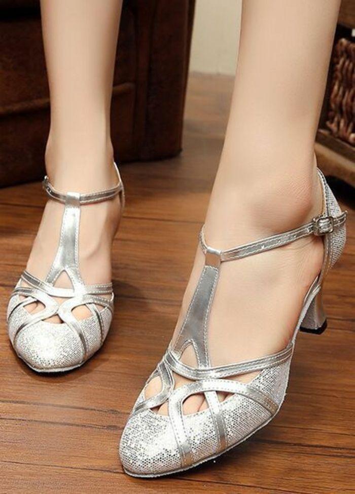 chaussures de danse argentées couvertes devant talon épais médium