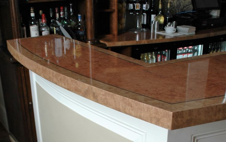 An elegant and bespoke bar counter by Fheoir Furniture