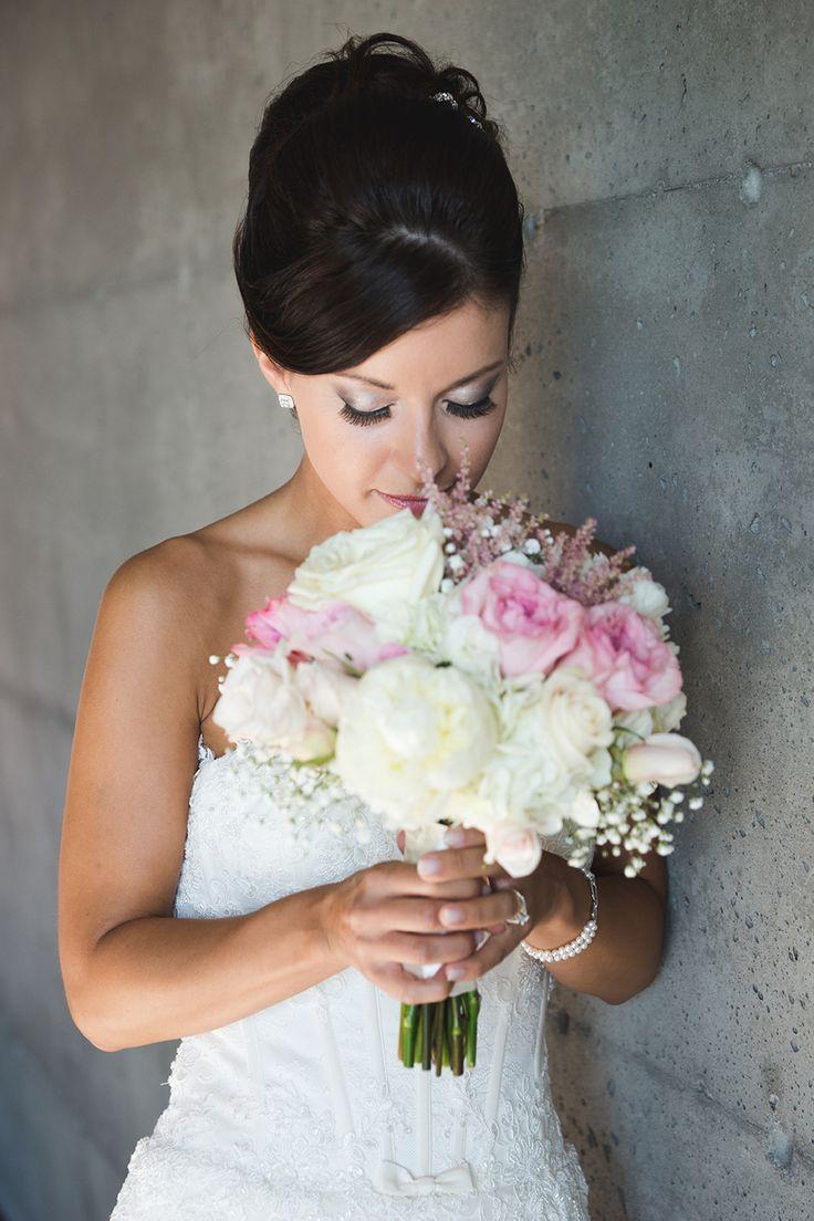 Wedding Photography  Photographie de mariage Photographe Mariage Wedding Dress  Rameux Photographes www.pascalrameux.ca