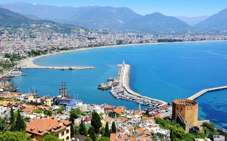 En smuk udsigt over Alanya, Tyrkiet. Se mere på www.apollorejser.dk/rejser/europa/tyrkiet