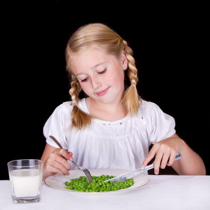 """Con il riso o con la pasta, nel minestrone o con le patate, con la carne o con il pesce, i piselli sono tra i #legumi preferiti dai bambini, che li mangiano senza """"fatica"""" #piselli #food #mangiarebuono"""