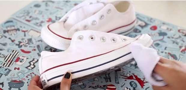 Apuntad estos trucos y conseguiréis unas zapatillas totalmente nuevas y blancas siempre