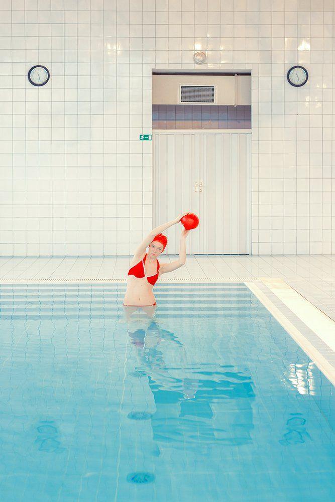 En la piscina con Maria Svarbova