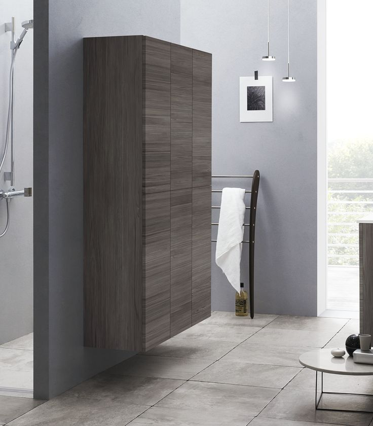 Luna drawers and selected cabinets and doors are available with push-open function. That gives a completely handle free and minimalist solution functionally opening softly and silently in one gradual movement.