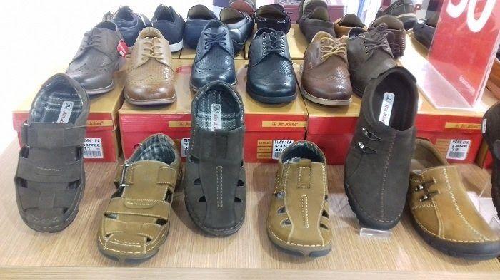 24 Foto Sepatu Jim Joker In 2020 Leather Boots Fisherman