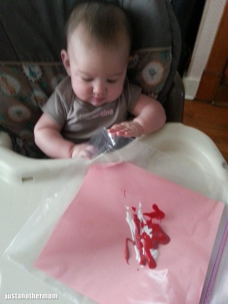 """Mess free art """"project"""" for babies."""