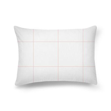 Almofada retangular Quadriculado Rosa 1 de ARA Consultoria Criativa & Negócios em Design sobre rosa, geométrico, linhas, quadriculado, minimalista