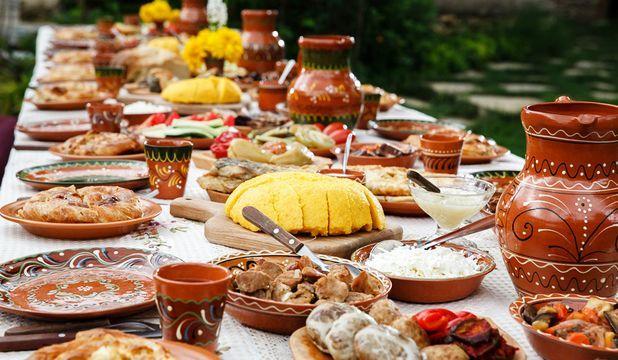 Ne-am îndepărtat ușor-ușor de metodele tradiționale de preparare a alimentelor și de hrana naturală, lăsându-ne seduși de produsele gata preparate și ambalate din magazine.