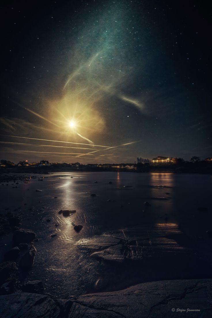 https://flic.kr/p/B2nyxh | Moonlighting